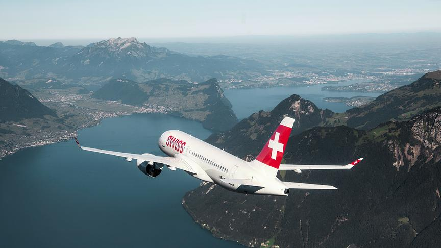 Adventkalender Fenster 06 - Swiss Air