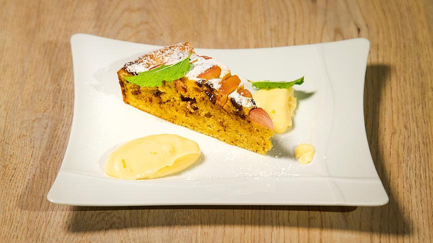 Rhabarber-Mandel-Kuchen mit Zitronenrahm